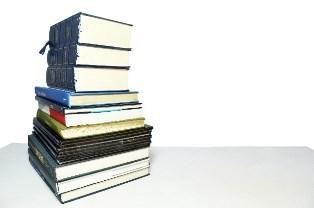 積み重ねた本.jpg